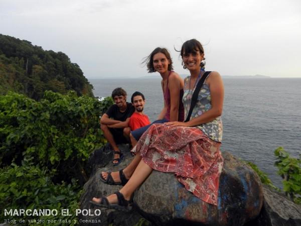 Con Maga y Ramiro en Pulau Weh, Indonesia.