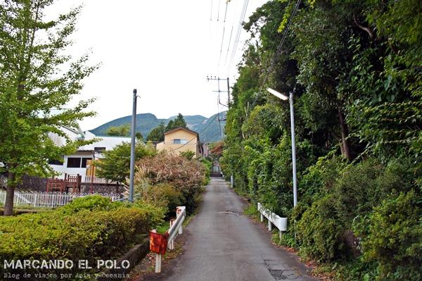 La calle donde está ubicada Hakone Tent es súper tranquila...