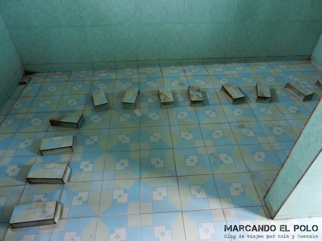 ¡Me apuro ahora que no hay nadie! - baño comunal en Lang Son