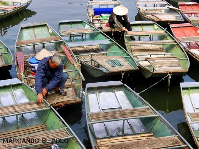 Boteros esperando turistas en Tam Coc