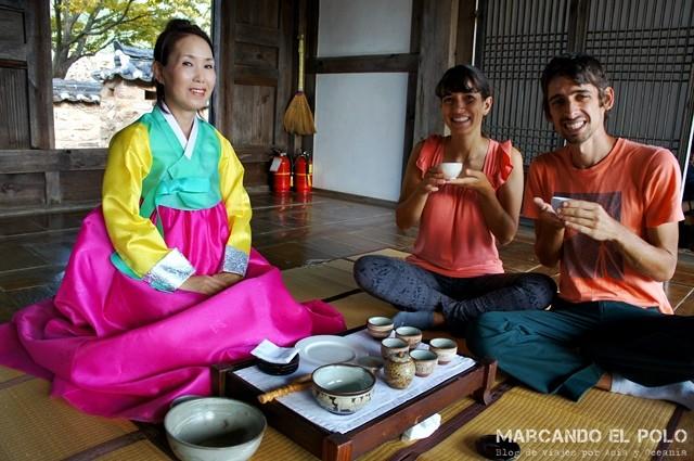 Ceremonia de té en Napsang Village