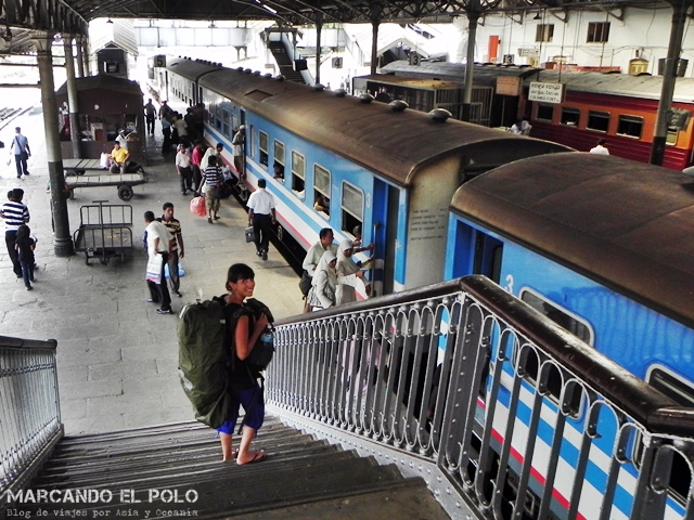 Listos para empezar el viaje. Estación Colombo Fort