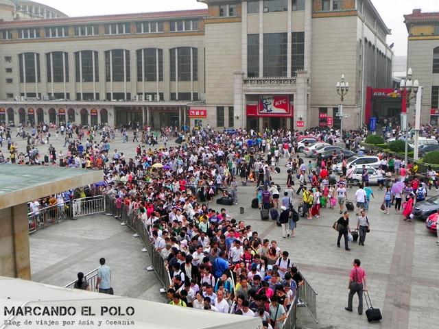 Consejos planear viaje por China - Filas para ticket de tren