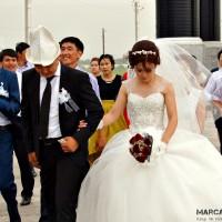 No todos los casamientos son secuestros, pero igualmente no está bien visto que la mujer sonría el día de su boda (?)