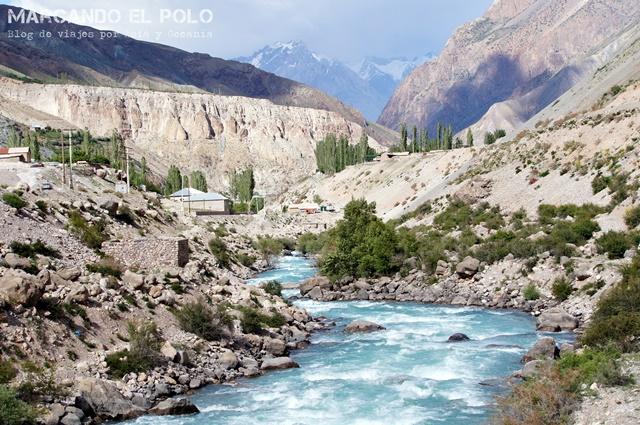 Viajar a Tayikistán - camino a lago Iskanderkul