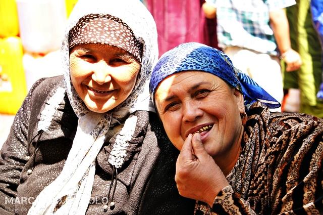 Viajar-a-Tayikistan-dientes-dorados