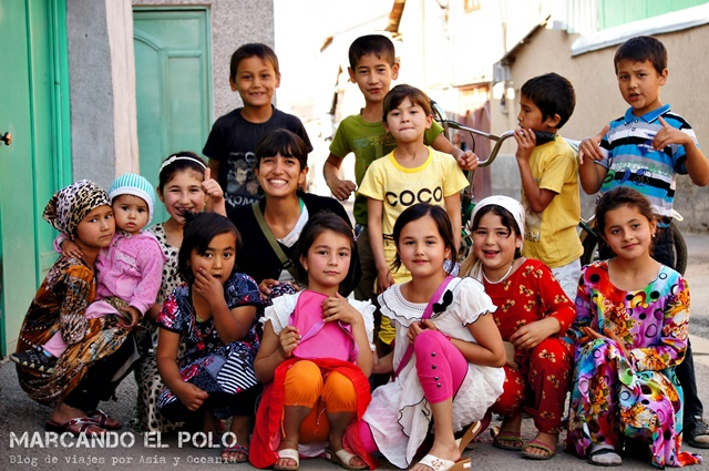 Viajar-a-Tayikistan-nenes
