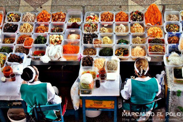 Mercado de Almaty ensaladas