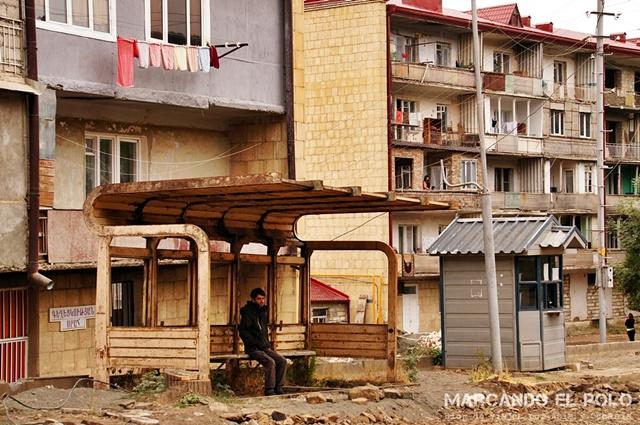 Nagorno-Karabakh-parada-de-bus-en-Shushi