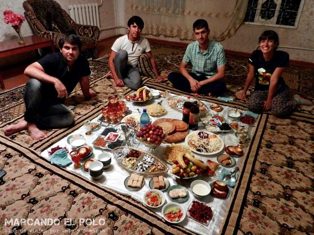 Presupuesto mochilero para viajar a Tayikistan: Couchsurfing