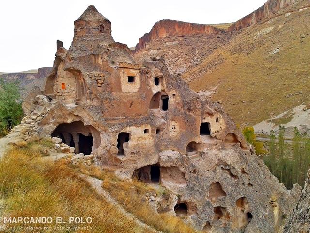 Iglesia-cueva en Soganli Valley