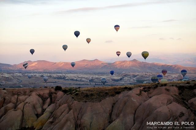 Viajar-a-Turquia-Cappadocia-vuelo-en-globo-Aktepe-Hill-2