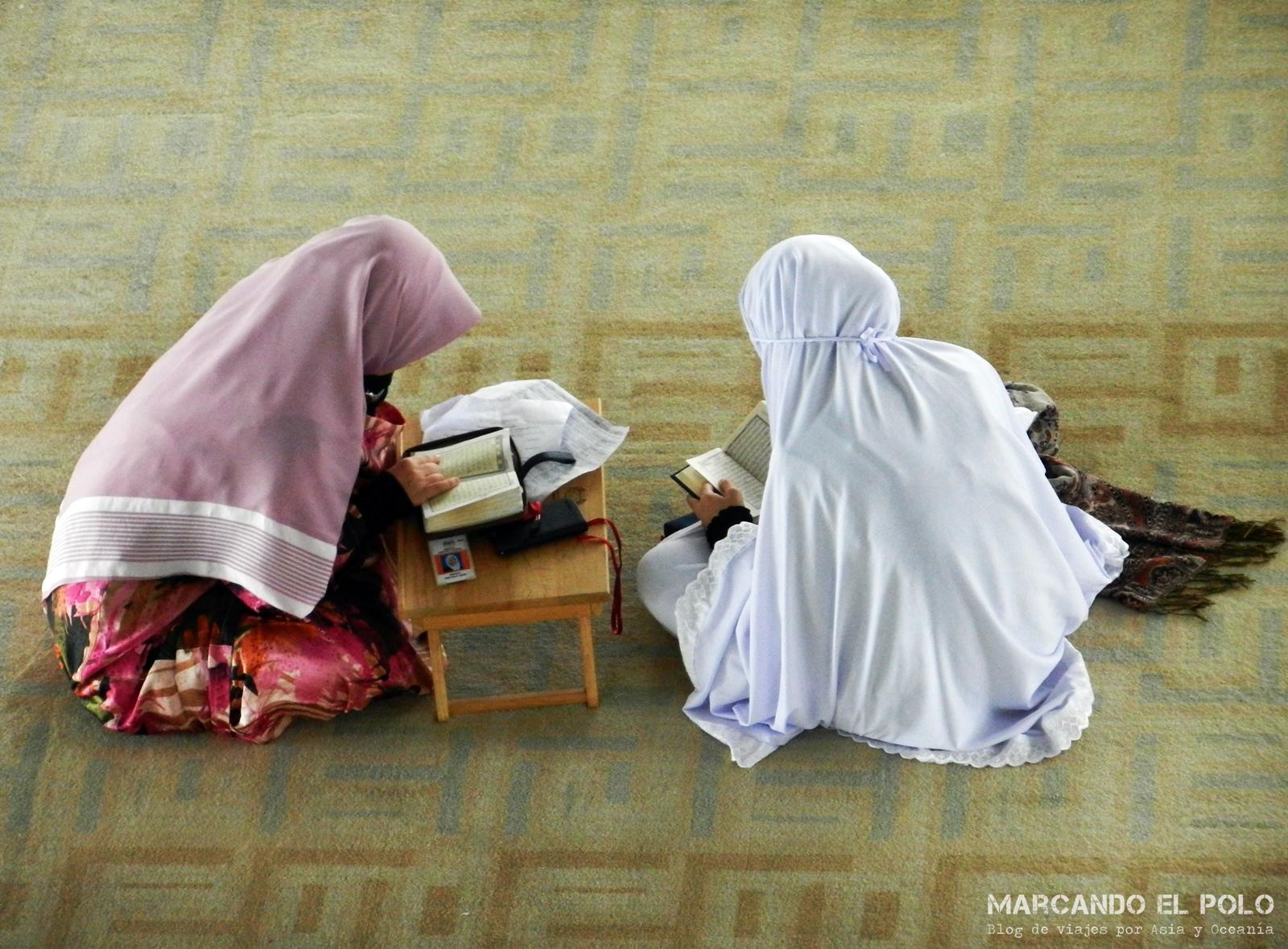Mujeres Musulmanas Desnudas detrás del hiyab: lo que opinan las mujeres musulmanas sobre
