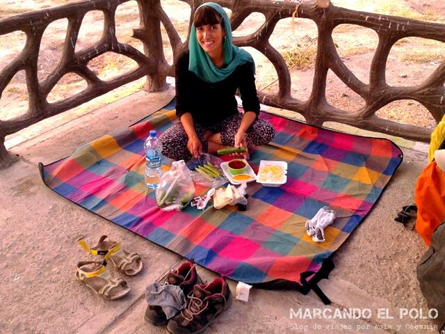 Acampando en un parque en Tabriz, aunque el anonimato no duró por mucho tiempo...