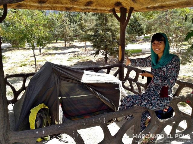 Acampando en un parque de Tabriz