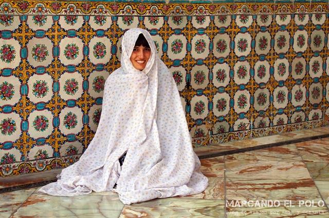 Chador para entrar a la mezquita: gratis