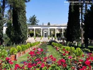 Viajar a Iran - Tumba de Hafez