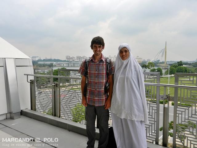Costumbres del sudeste asiático - vestimenta en mezquita