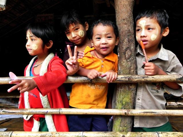 Costumbres del sudeste asiático - nenes