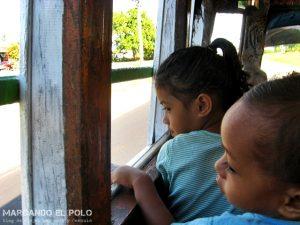 Viajar a Samoa - buses samoanos