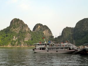 Tour a Halong Bay - Daos travel agency