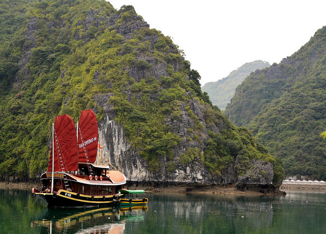 Tour a Halong Bay - Barco Hanoi Brother Inn and Travel