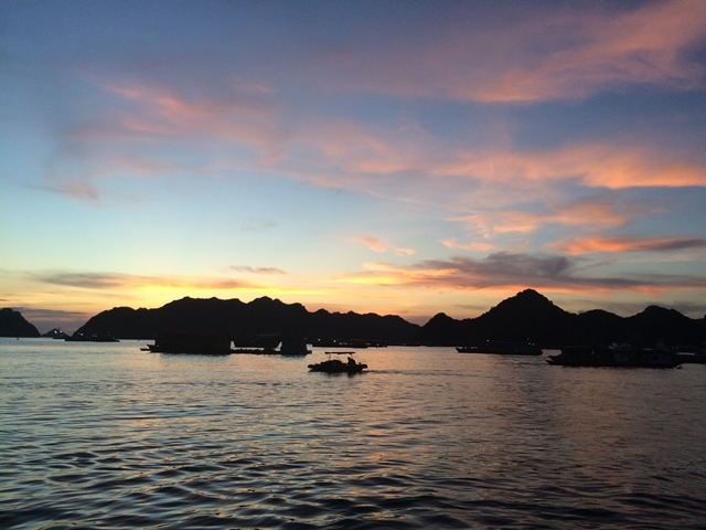 Tour a Halong Bay - Atardecer