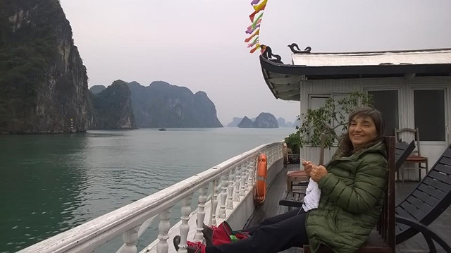 Tour a Halong Bay - Barco Holiday Traveling