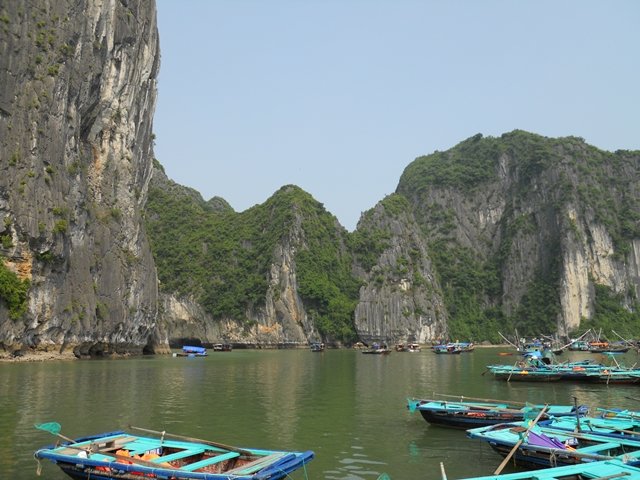Tour a Halong Bay - Kayaks