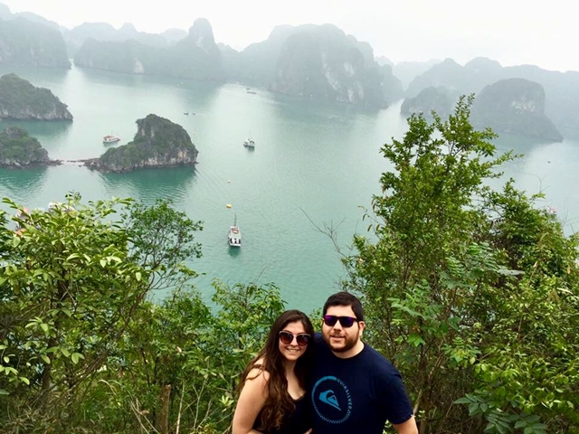 Tour a Halong Bay