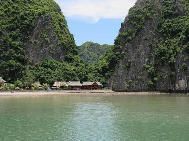Tour a Halong Bay - Hotel en playa