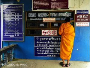 Pasaje de salida para entrar a Tailandia - Frontera Tailandia Laos